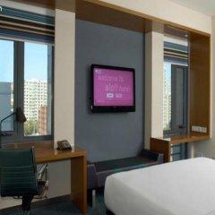 Отель Aloft Beijing, Haidian 3* Стандартный номер с различными типами кроватей фото 2