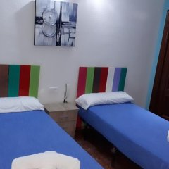 Отель Hostal Nevot Стандартный номер с различными типами кроватей фото 9