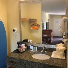 Отель Quality Inn Sarasota North 2* Стандартный номер с различными типами кроватей фото 6