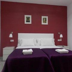 Отель Pension Corbero Мадрид комната для гостей фото 3