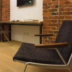 Дизайн-отель Brick 4* Улучшенный номер с 2 отдельными кроватями фото 3