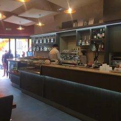 Отель B&B Leoni Di Giada гостиничный бар