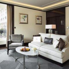 Hotel The Peninsula Paris 5* Улучшенный номер с различными типами кроватей