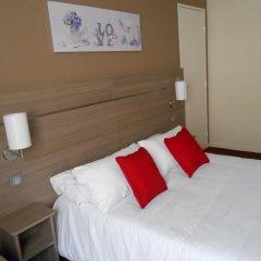 Отель De Paris Montmartre Париж комната для гостей фото 5