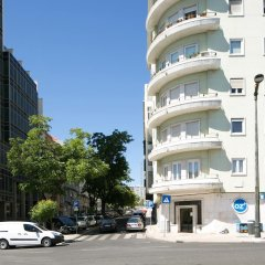 Отель Traveling To Lisbon 295 Marques do Pombal парковка