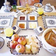 Отель Bivouac Le Ciel Bleu Марокко, Мерзуга - отзывы, цены и фото номеров - забронировать отель Bivouac Le Ciel Bleu онлайн питание фото 3