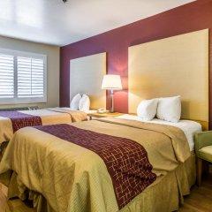 Отель Red Roof Inn Tulare - Downtown/Fairgrounds 2* Стандартный номер с различными типами кроватей фото 4