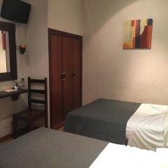 Отель Hostal La Plata комната для гостей фото 4