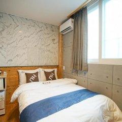 Отель D.H Sinchon Guesthouse 2* Стандартный номер с различными типами кроватей фото 12