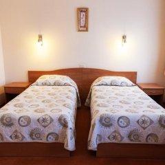 Гостиница Максима Славия 3* Улучшенный номер двуспальная кровать