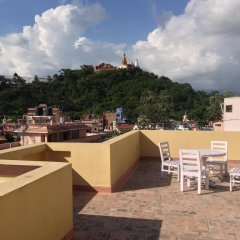 Отель Swayambhu View Guest House Непал, Катманду - отзывы, цены и фото номеров - забронировать отель Swayambhu View Guest House онлайн балкон