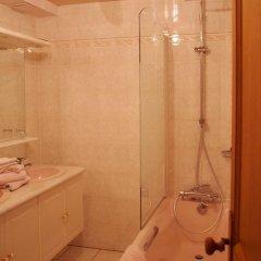 Отель La Gomerie Chambres d'Hotes Франция, Сент-Эмильон - отзывы, цены и фото номеров - забронировать отель La Gomerie Chambres d'Hotes онлайн ванная