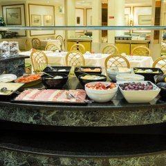 Отель Holiday Inn Lisbon Португалия, Лиссабон - 1 отзыв об отеле, цены и фото номеров - забронировать отель Holiday Inn Lisbon онлайн питание