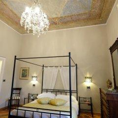Отель Madama Cristina Bed & Breakfast Стандартный номер с различными типами кроватей фото 10