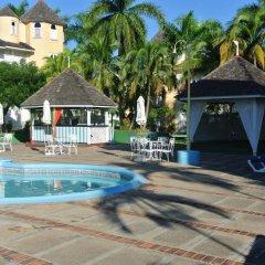 Отель Beach One Bedroom Suite 13 бассейн фото 3