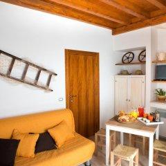 Отель Grandi Trulli Bed & Breakfast Альберобелло комната для гостей фото 4