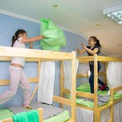 Hostel Ogurets Кровати в общем номере с двухъярусными кроватями фото 4