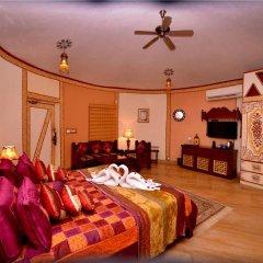 Отель Chokhi Dhani Resort Jaipur 4* Коттедж с различными типами кроватей фото 4