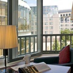 Отель Radisson RED Brussels 4* Улучшенный номер с различными типами кроватей фото 2