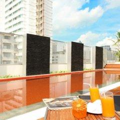 Отель Radisson Suites Bangkok Sukhumvit Бангкок балкон