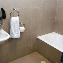 Отель Urbanicspace-city Center Тель-Авив ванная