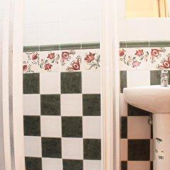 Отель Chalet Arroyo Испания, Кониль-де-ла-Фронтера - отзывы, цены и фото номеров - забронировать отель Chalet Arroyo онлайн ванная фото 2
