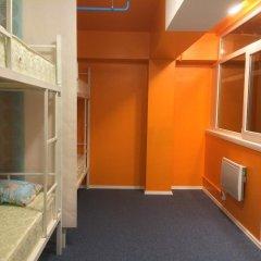 Garage Hostel Кровать в общем номере с двухъярусной кроватью