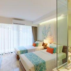 Отель Bandara Phuket Beach Resort 4* Улучшенный номер с двуспальной кроватью