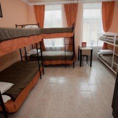 Мини-Отель Новый День Стандартный семейный номер разные типы кроватей (общая ванная комната)