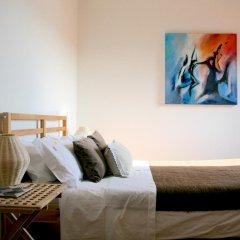 Отель YOURS GuestHouse Porto 4* Стандартный номер с двуспальной кроватью (общая ванная комната) фото 7