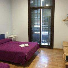 Отель Hostal Delfos комната для гостей фото 4