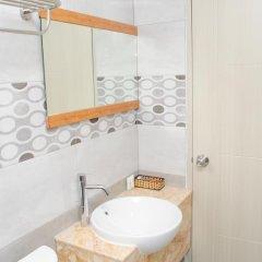 Отель LeBlanc Saigon 2* Номер Премьер с двуспальной кроватью фото 12