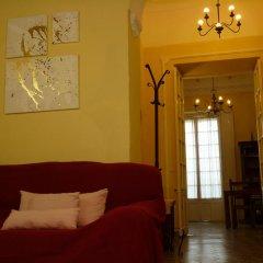 Отель Apartamentos Casa Rosaleda Испания, Херес-де-ла-Фронтера - отзывы, цены и фото номеров - забронировать отель Apartamentos Casa Rosaleda онлайн комната для гостей фото 2