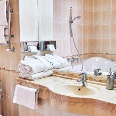 Гостиница Золотое Кольцо Кострома Люкс с двуспальной кроватью фото 15