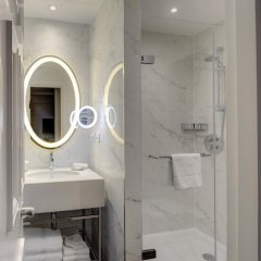 Отель Hilton London Euston 4* Стандартный семейный номер с двуспальной кроватью фото 6