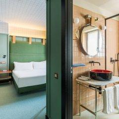 Отель Room Mate Giulia Стандартный номер с различными типами кроватей фото 9