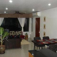 Апартаменты Naiharn Beach Road Apartment комната для гостей фото 2