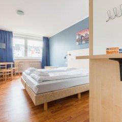 Отель a&o Düsseldorf Hauptbahnhof 2* Стандартный номер с различными типами кроватей фото 2