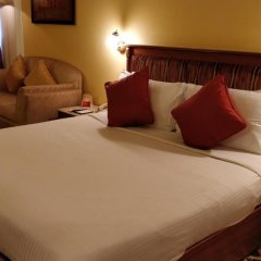 Отель The Suryaa New Delhi 5* Номер Делюкс с различными типами кроватей фото 4