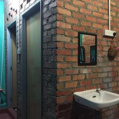 Atine Semporna Backpackers Hostel II ванная фото 2