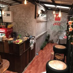 The Alley Hostel & Bistro питание