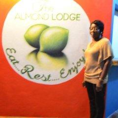 Отель Almond Lodge развлечения