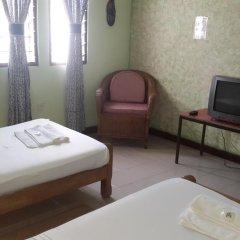 Отель Almond Tree Guest House 3* Стандартный номер с 2 отдельными кроватями (общая ванная комната) фото 3