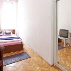 Отель City Rooms Стандартный номер с двуспальной кроватью (общая ванная комната) фото 17