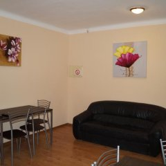Vira Hostel комната для гостей