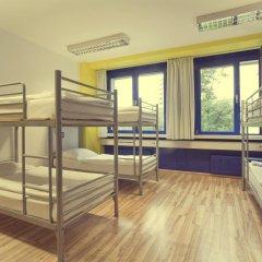 Отель Generator Berlin Prenzlauer Berg Кровать в общем номере с двухъярусной кроватью фото 6