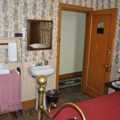 Grand Canyon Hotel 2* Стандартный номер с двуспальной кроватью (общая ванная комната)