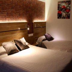 Hotel Des Pyrenees Париж комната для гостей фото 11