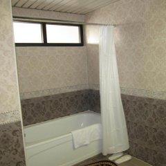 Отель Afrosiyob Palace Узбекистан, Самарканд - отзывы, цены и фото номеров - забронировать отель Afrosiyob Palace онлайн ванная фото 2