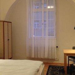 Апартаменты Apartment In Prague Прага комната для гостей